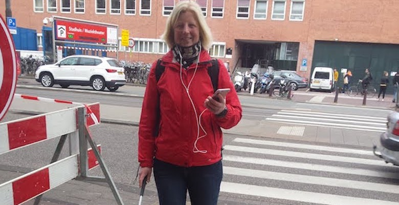 The Eybeacons smartphone and smartwatch app used in the city of Amsterdam